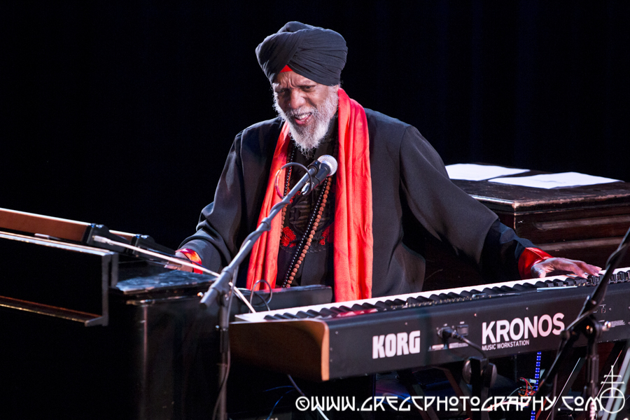 Dr. Lonnie Smith at Kumble Theater for the Performing Arts at Long Island University's Brooklyn Campus in Brooklyn, NY - Dr. Lonnie Smith Trio Photos