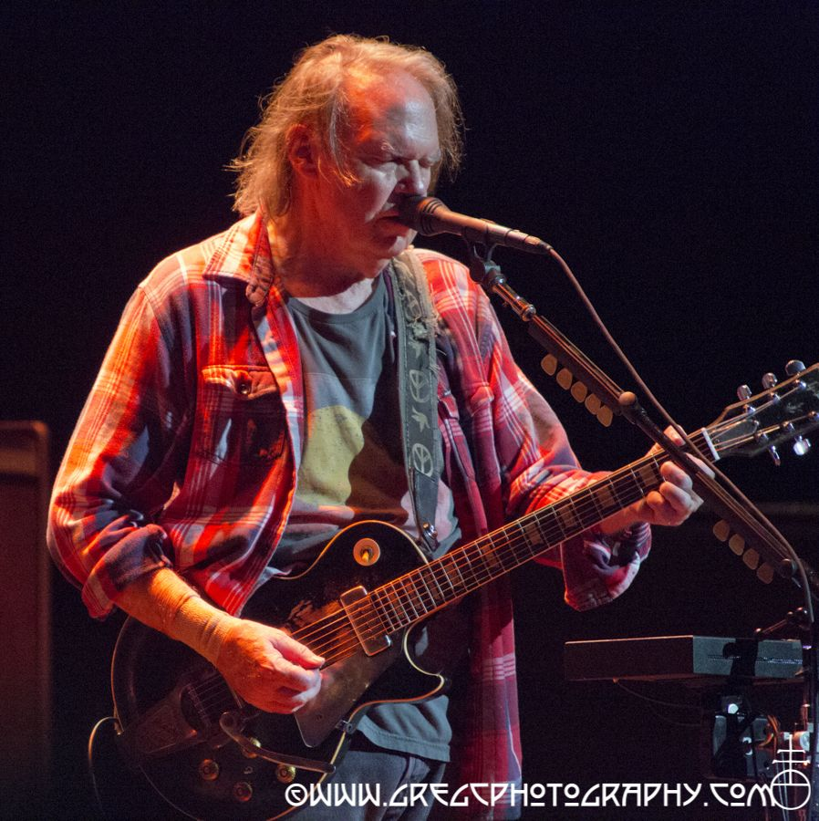 A-Neil Young And Crazy Horse_24.jpg
